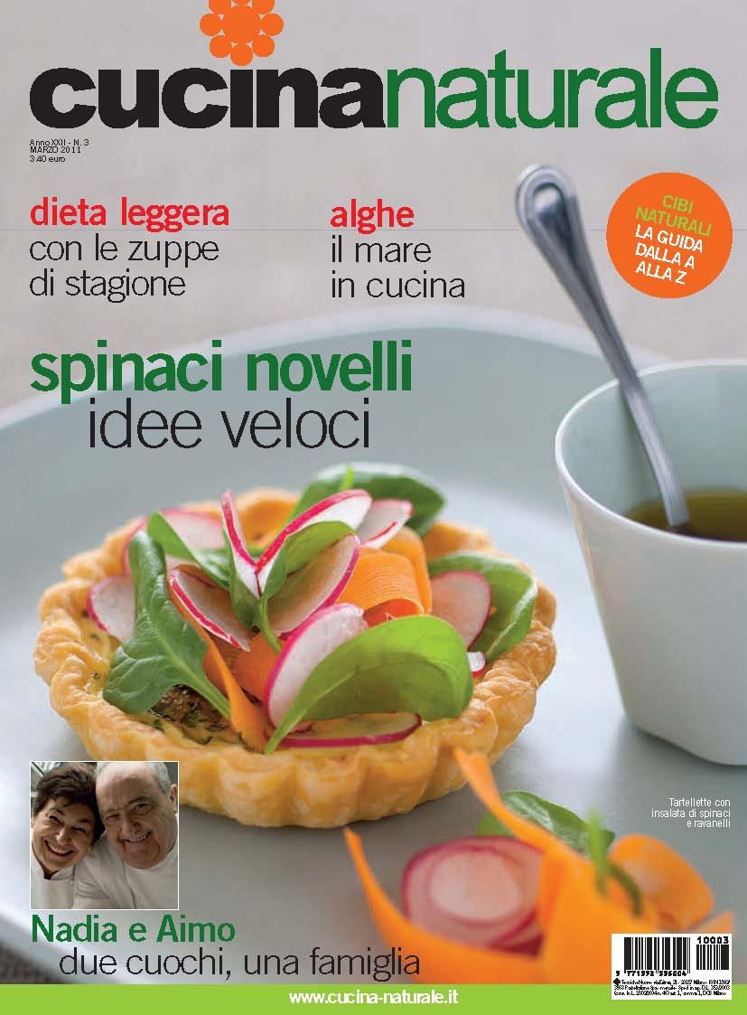Cucina Naturale di marzo: riso e fagioli rossi e neri, alghe, spinaci e il dizionario dei cibi naturali