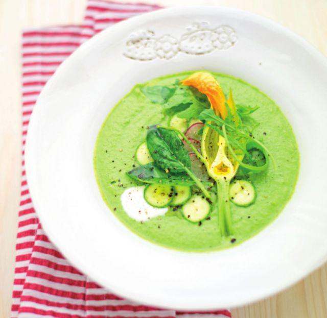 Crema di zucchine crude con spinaci e rucola