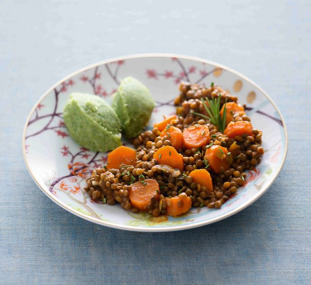 Stufato di lenticchie e carote con purè di scarola