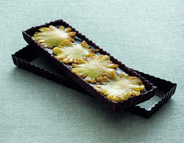 Crostata al cacao con cioccolato e ananas
