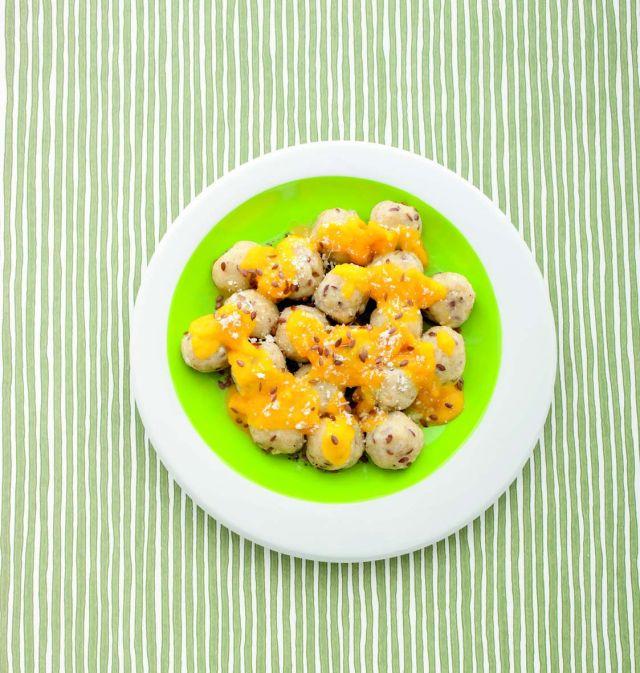 Gnocchi di ricotta ai semi di lino in salsa di carote