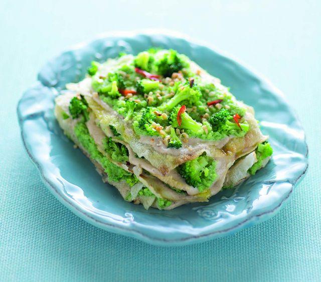 Lasagne di pane carasau con broccoli e nocciole