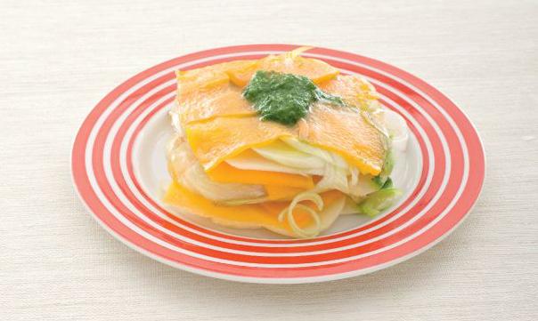 Millefoglie di zucca, porri e patate con salsa verde