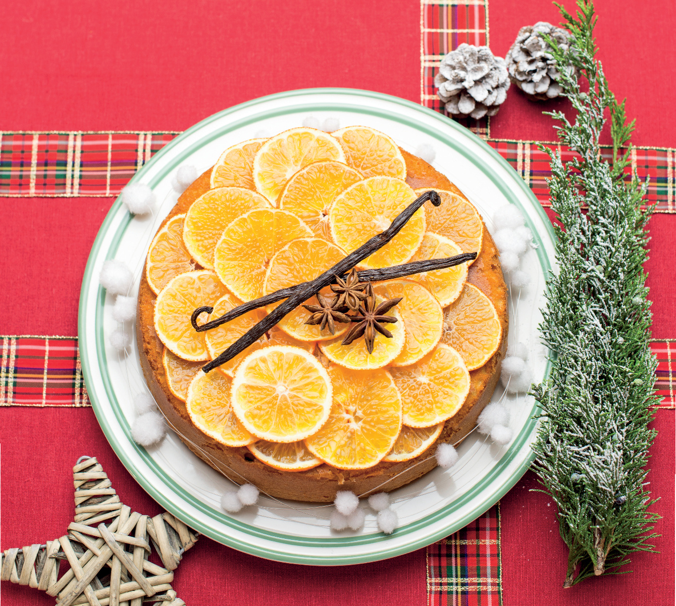 Torta di mandorle alle clementine con vaniglia e anice stellato