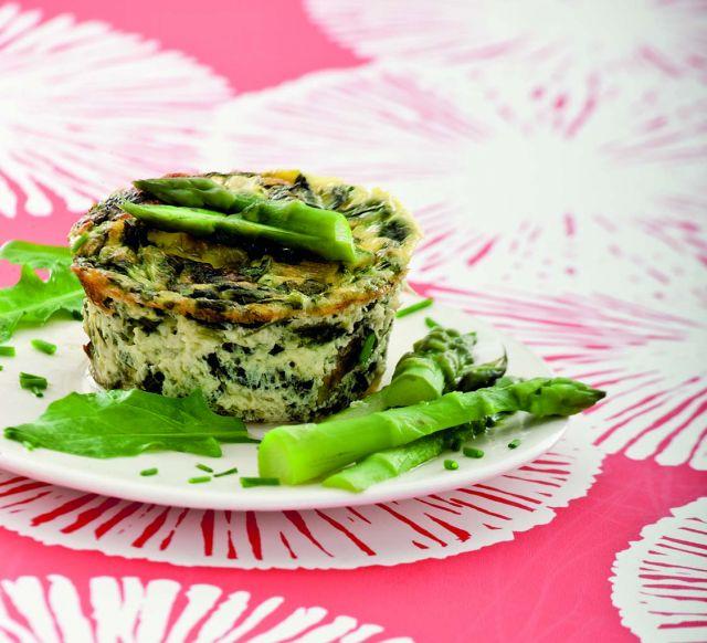 Sformati primaverili di asparagi e tarassaco