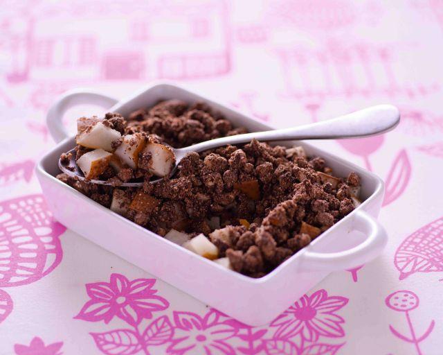 Crumble di pere, cioccolato e noci