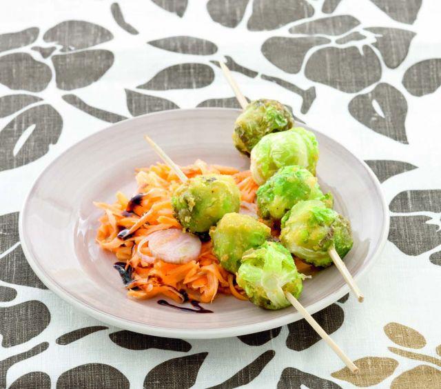Spiedini di cavoletti impastellati e carote all'aceto balsamico
