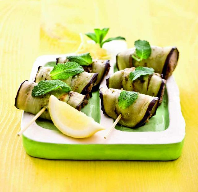 Spiedini di melanzane e zucchine con farcia di ceci e olive