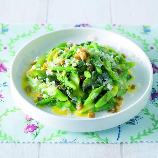 Carbonara di asparagi e seitan croccante