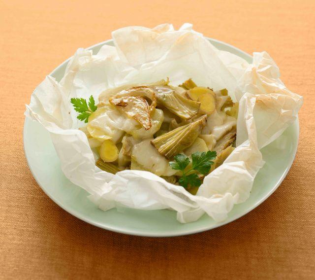 Millefoglie al cartoccio di provola, patate e carciofi