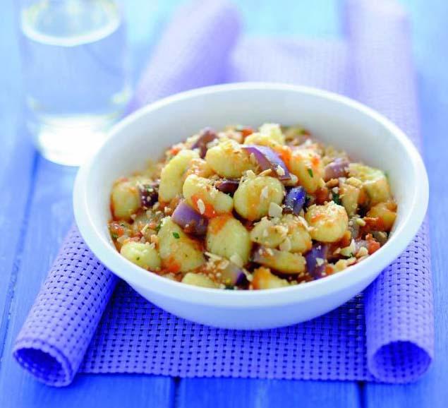 Gnocchi con melanzane alle spezie e mandorle croccanti
