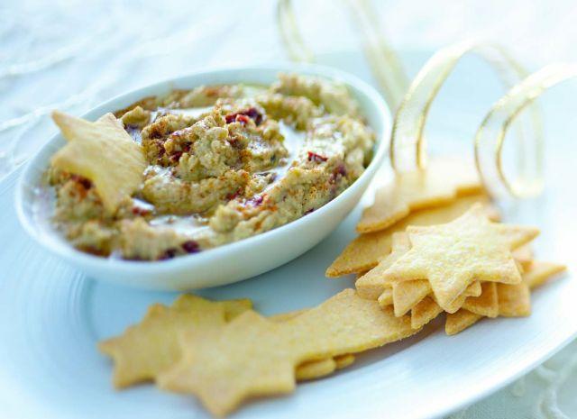 Hummus di piselli con cracker al mais