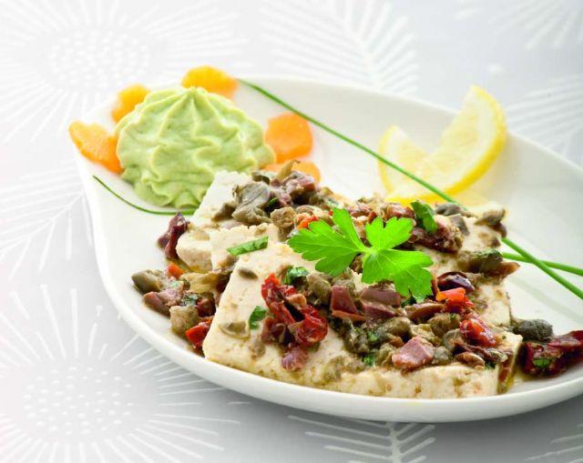 Tofu marinato in mousse con avocado