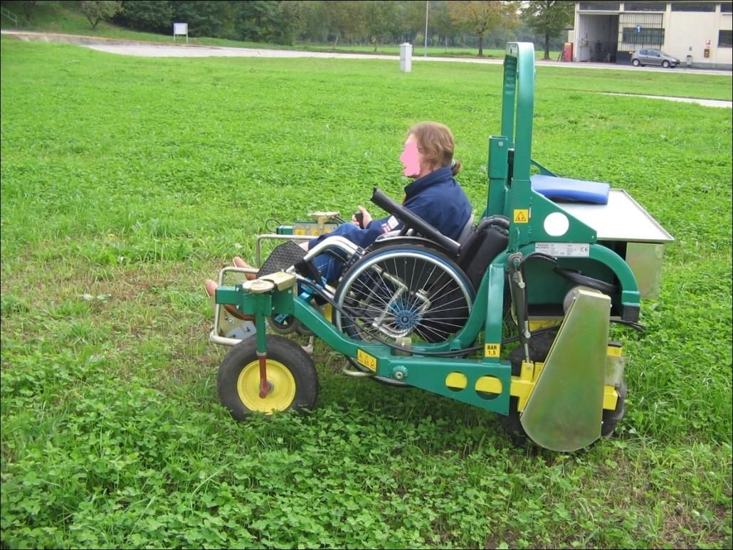 Persone con disabilità - Arriva Libera, la carrozzina per lavorare nei campi