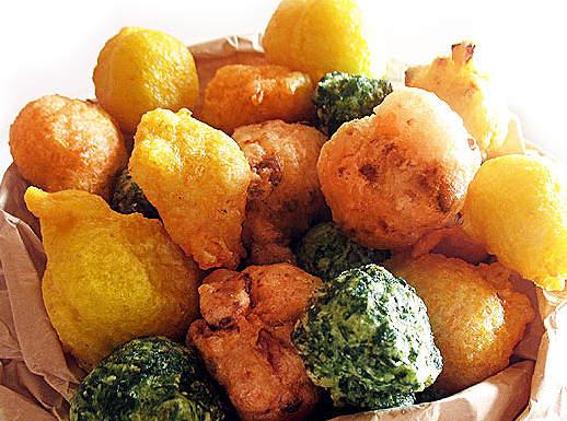 Coriandoli carnevaleschi di zeppole salate