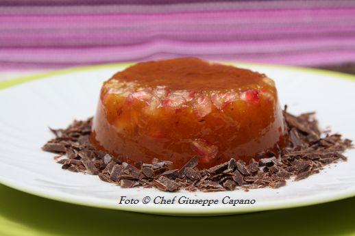 Dessert di cachi con melagrana all'anice e fondente
