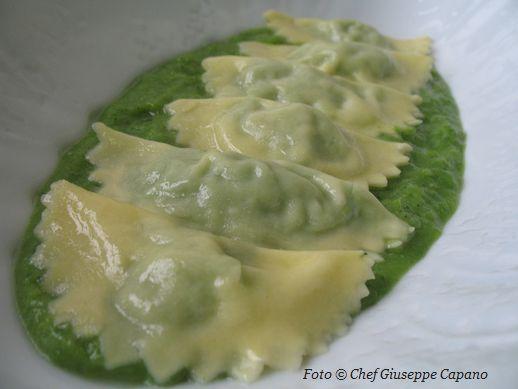 Ravioli di broccoletti con mandorle