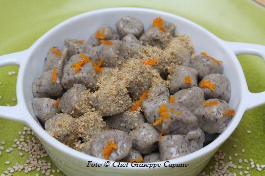 Gnocchi saraceni con olio all'arancia e gomasio