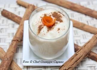 Crema dessert di mele con yogurt alla cannella e miele di castagno