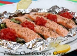 Cartoccio di salmone e zucchine con pomodorini 518