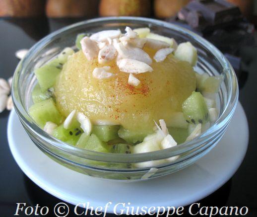 Coppette di mele e kiwi in salsa di pere 518