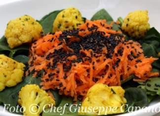 Insalata di spinacini e carote con cavolfiore alla curcuma e sesamo nero 518