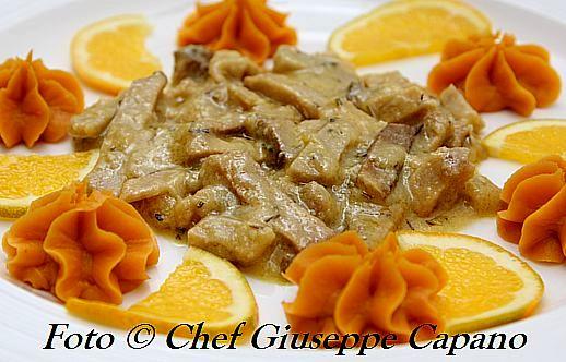 Straccetti di seitan all'arancia e rosmarino con mousse di batata rossa 518