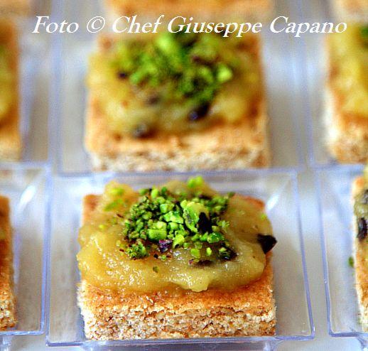 Assaggio di crostata con crema di mele e profumo d'olio d'oliva 518