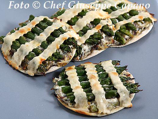 Piccole crostatine con carciofi e asparagi 518