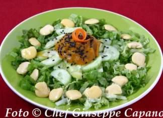 Insalatina verde con cetrioli, lupini e condimento alla maggiorana 518