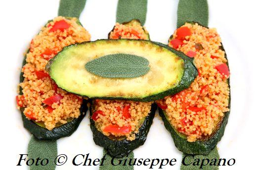 Piccolo antipasto con couscous su zucchine dorate 518