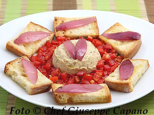 Spuma cremosa di ceci e tofu affumicato con pomodorini 518