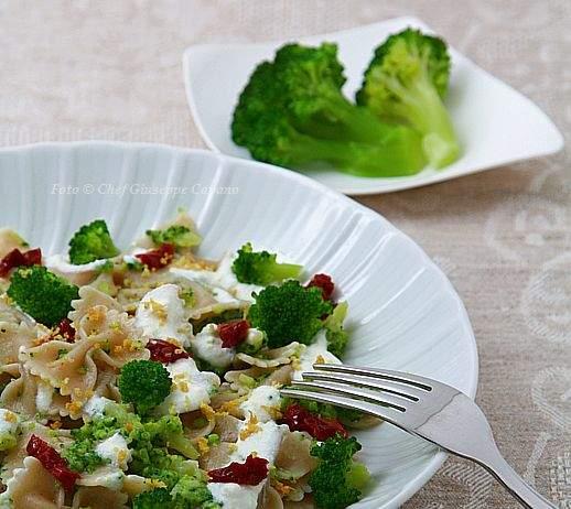Pasta con broccoletti piccanti e salsina di ricotta 518