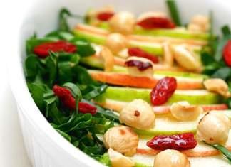 Mele con spinaci e bacche di goji 518