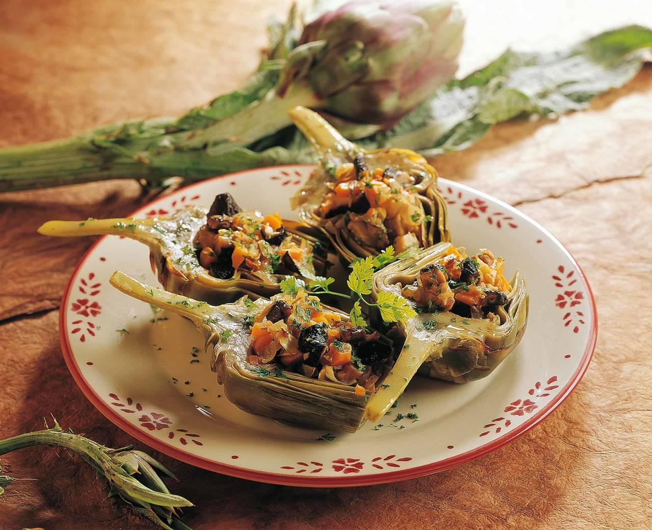 Carciofi ripieni di verdure - Cucina Naturale