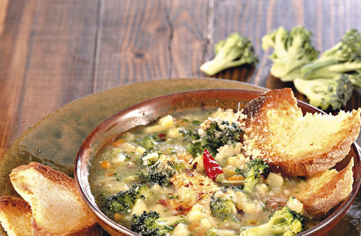 Ricetta Zuppa Broccoli.Minestra Densa Di Broccoletti E Patate Cucina Naturale