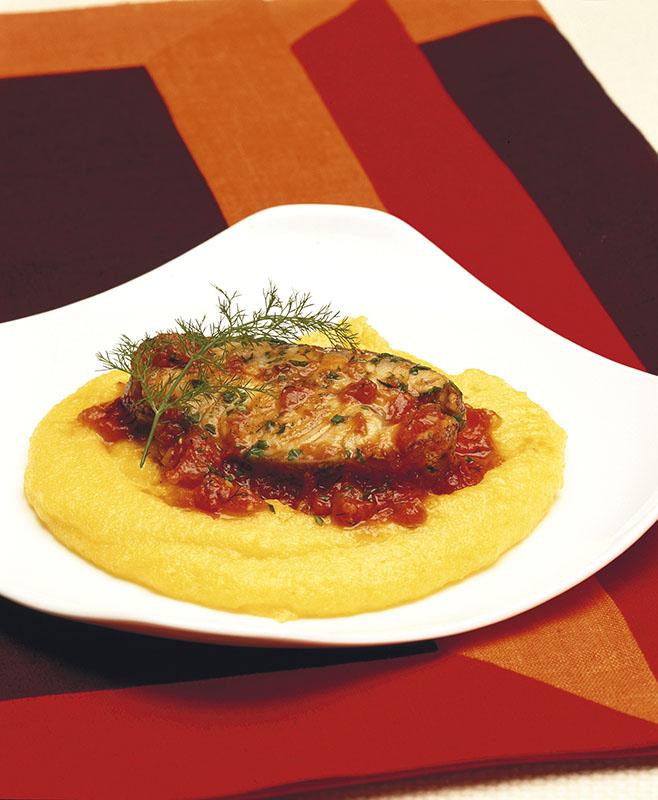 Polenta Con Tranci Di Cernia In Salsa Al Finocchietto