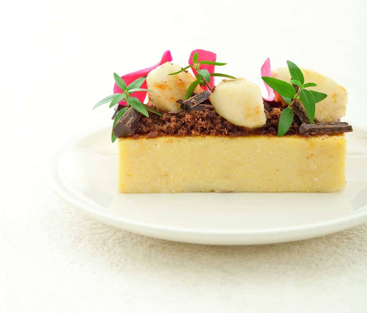 Polenta Dolce Con Crumble Di Cioccolato E Pere Caramellate