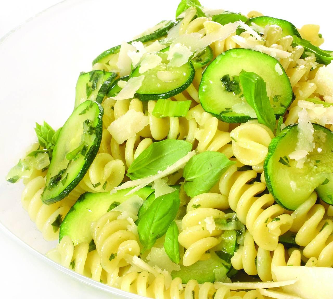 Fusilli con zucchine e zenzero cucina naturale for Siti di ricette cucina
