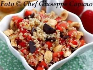 Coppette di quinoa alle fragole e nocciole 318