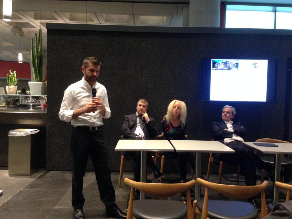 Lo chef Enrico Bartolini alla conferenza