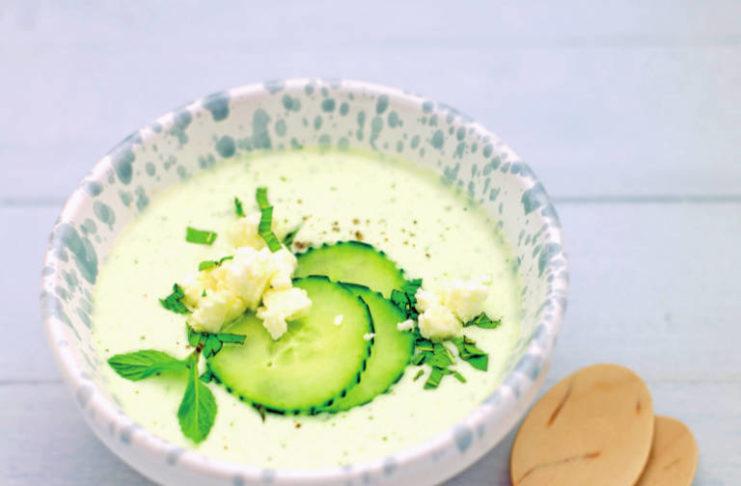Ricetta Yogurt Greco Con Cetrioli.Vellutata Di Cetrioli Allo Yogurt Con Feta E Menta Cucina Naturale