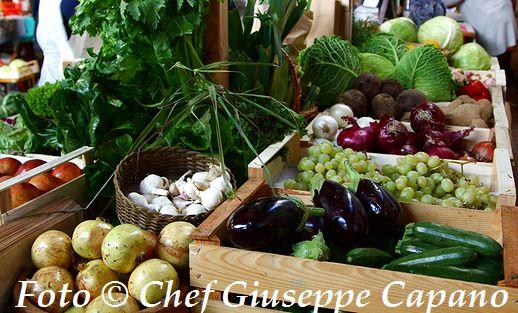 Banchi mercato tradizione mediterranea 518
