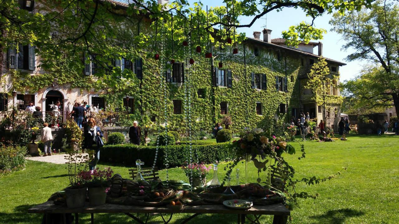 In Primavera: Fiori, Acque e Castelli (UD)