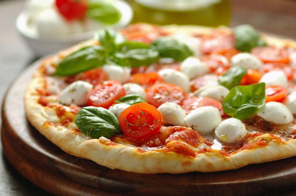 Pizza il piatto simbolo della semplicit cucina naturale for Piatto della cucina povera