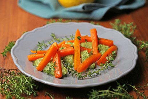 Bastoncini di carote e crema di zucchine al profumo intenso di timo 518