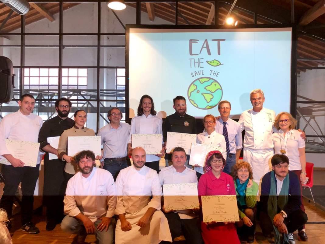 I partecipanti alla gara di cucina insieme a Gabriele Eschenazi, Neil Bernard, Pietro Leemann e Jenny Sugar