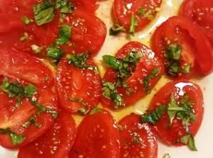 Pomodori e condimenti 318