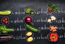 lavagna con indicate le calorie di alcuni ortaggi