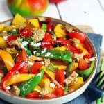 insalata di peperoni, crumble e ricotta salata